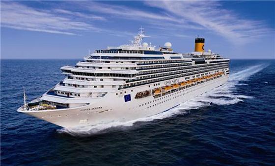 코스트 세레나호 전경. 11만 4000톤급으로 승객 3780명과 승무원 1100명이 타는 대형 크루즈다. (사진 = 해양수산부)
