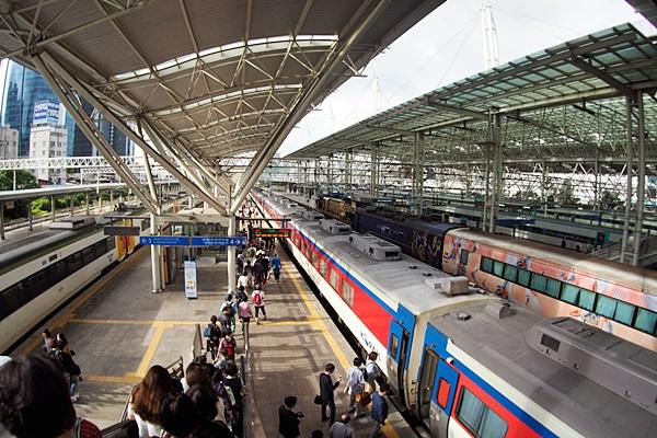 서울역에서 시인들의 고향으로 인문열차 출발합니다.