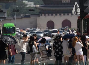 폭염에 온열질환자 2000명 넘어…휴가철 야외활동 주의