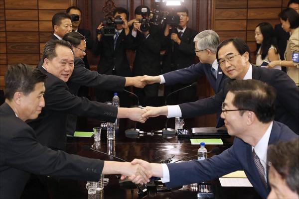 """""""9월에 평양서 남북정상회담""""…공동보도문 합의"""