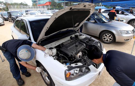 국토부는 3일 자동차 사고 보상 서비스의 질을 높이기 위한 '자동차손해배상진흥원'이 출범했다고 밝혔다.(사진=저작권자(c) 연합뉴스, 무단 전재-재배포 금지)
