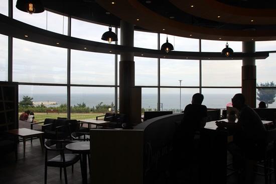 동해고속도로 옥계(속초방향)휴게소 바다가 보이는 식당