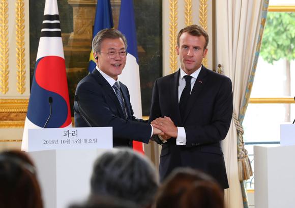 """한불 정상 """"한반도 비핵화 평화적 달성 긴밀 협력"""""""