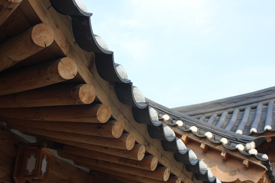 한국의 전통미가 살아 숨 쉬는 장안 사랑채.