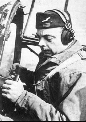 조종사 생텍쥐페리. 비행은 그의 삶 자체였다.
