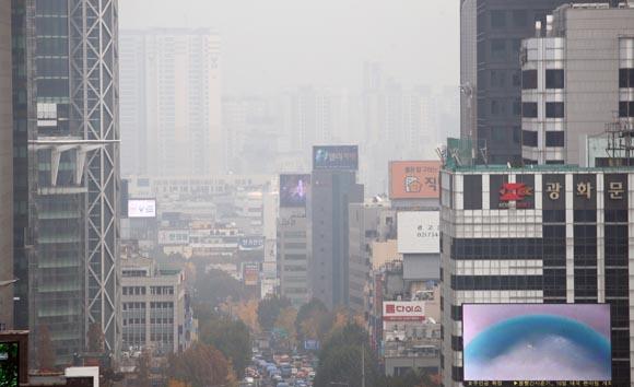 고농도 미세먼지 재난상황 준해 대응…경유차 인센티브 폐기