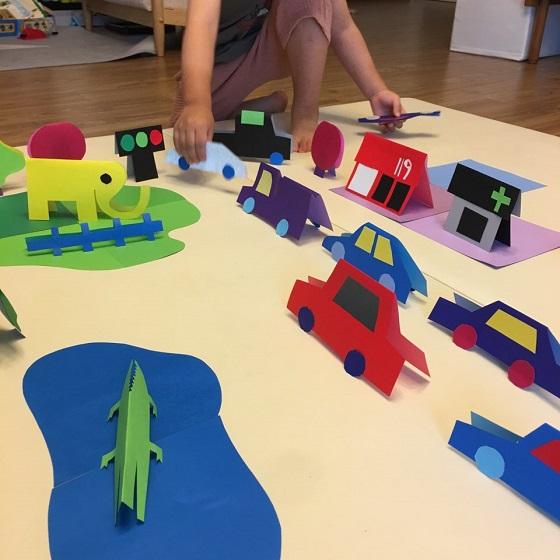 아이와 이야기하는 사이 마을이 만들어졌다.