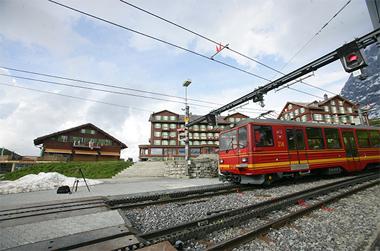 스위스 융프라우처럼…친환경 전기열차 도입 추진