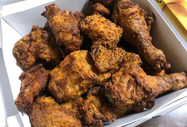 배달음식의 1등 메뉴 치킨, 배달 어플을 통해 치킨을 자주 시켜먹곤 한다.