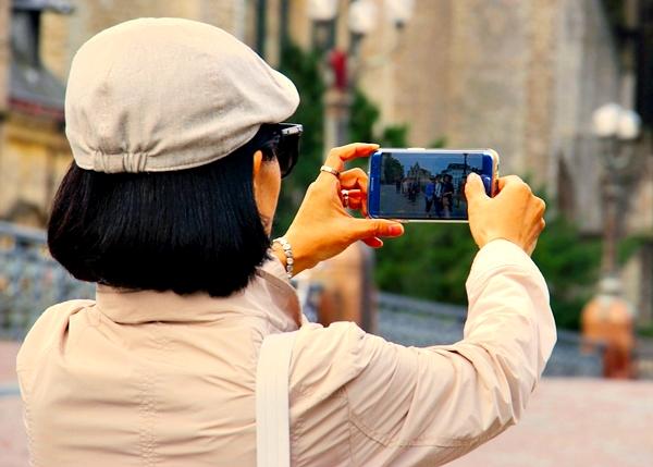 공정거래위원회(이하 공정위)가 '소비자 분쟁 해결 기준 개정(안)'을 마련해 스마트폰 보증 기한이 1년에서 2년으로 연장했다.