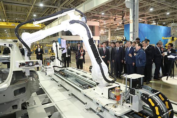 로봇산업 4대강국 진입…돌봄 서비스로봇 1만대 보급