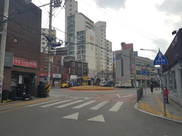 서울 동작우체국 앞 회전교차로.