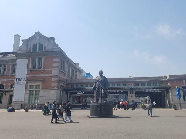 ▲역사다방이 열리는 서울역 광장의 모습