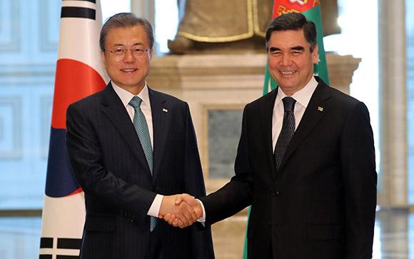 한·투르크메니스탄 정상회담…'신북방정책' 협력 공감