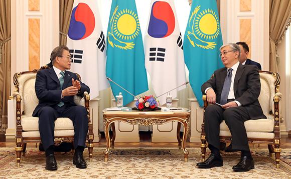 한·카자흐 정상회담…한반도평화 프로세스 등 협력 공감