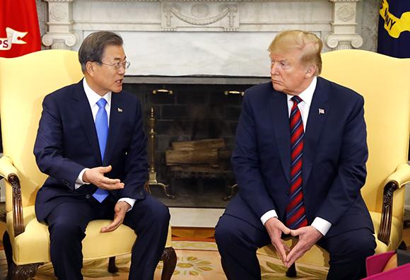 트럼프 대통령 내달 하순 방한…문 대통령과 정상회담