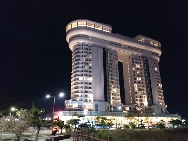 강릉 골든튤립 스카에베이 강릉 호텔의 환상적인 야경