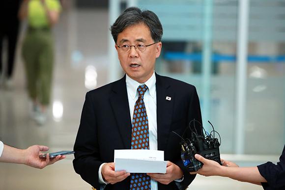 """김현종 차장 """"日조치, 한미일 협력훼손·美기업 타격우려…美와 공감"""""""