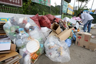 휴가철 깨끗한 피서지 만든다…'쓰레기 관리대책' 추진