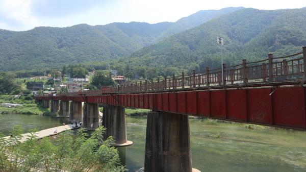 청평4리 마을에서 제안한 북한강 자전거도로 교각 벽화 그리기 사업은 가장 창의적인 제안으로 꼽힌다.