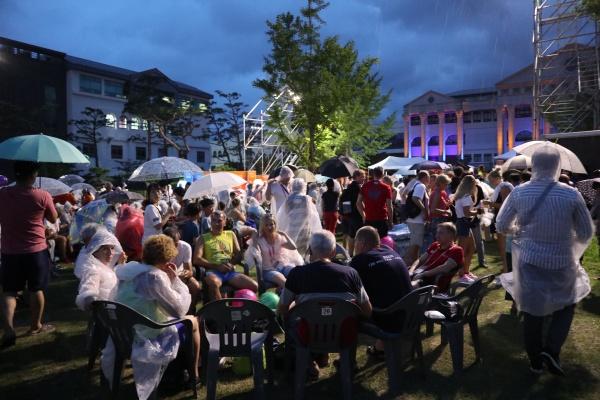 8월11일 광주세계마스터즈대회 개막식을 보러 모인 외국인들