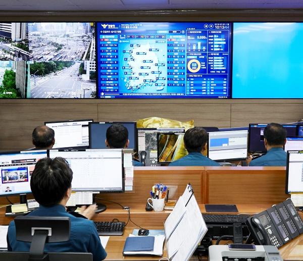 경찰청에서 전국 112 신고를 실시간으로 모니터링 하며 중요사건을 직접 지휘할 수 있다.(사진=경찰청)