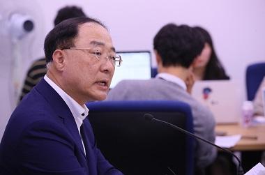 내년 예산안 513조 원대 편성…재정 확장 불가피