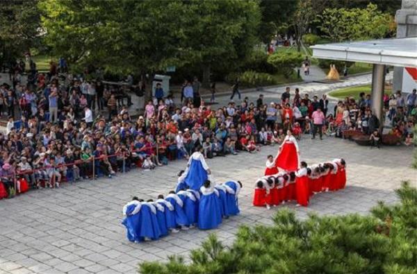 춤으로 맞는 한가위 대동놀이(강강술래, 놋다리밝기) 공연
