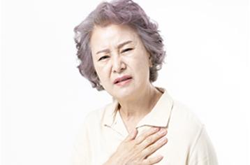 가슴 부위에 타는 듯한 통증이 느껴진다면?
