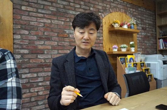 부산세관 박진우 행정관이 관세업무에 있어 드론의 장점에 대해 설명하고 있다.