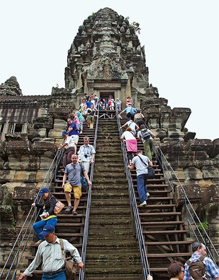 캄보디아의 유네스코 세계문화유산인 앙코르와트.(사진=한겨레)