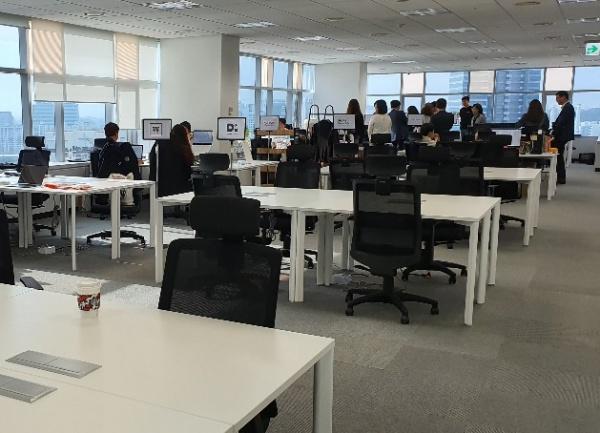 소셜캠퍼스 온 서울2센터에 마련되어 있는 입주기업 워크플레이스의 모습
