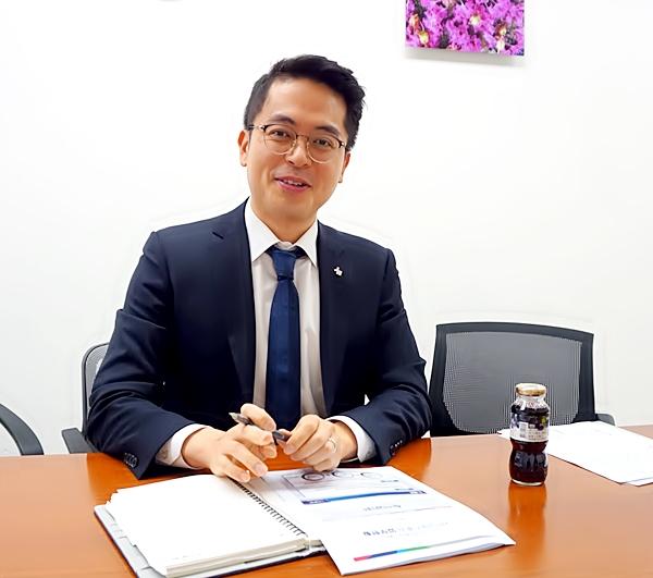 설명을 들려 준 서민금융진흥원의 홍석준 과장.