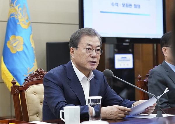 문재인 대통령이 2일 오후 청와대에서 열린 수석·보좌관 회의 모두발언을 하고 있다. (사진=청와대)