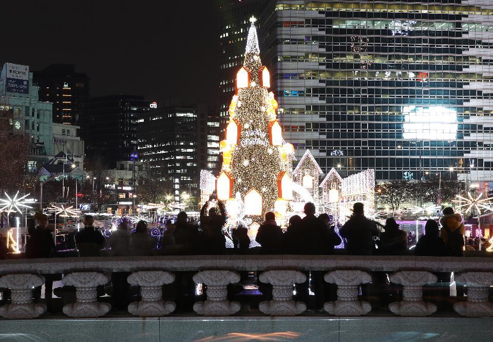 크리스마스가 다가오네~ 거리는 빛으로 반짝반짝!