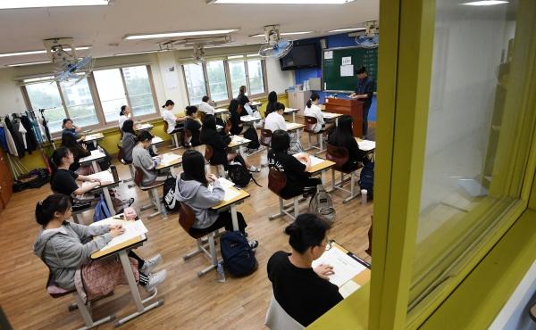 고교 2·3학년 무상교육…만 7세 미만 모두에 아동수당
