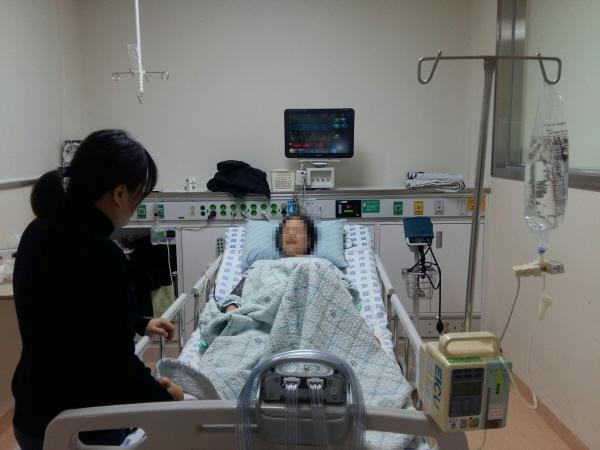 단기 입원 환자의 간병인을 구하는 것이 쉽지 않아 돌봄 휴직의 단기 신청이 꼭 필요하다.