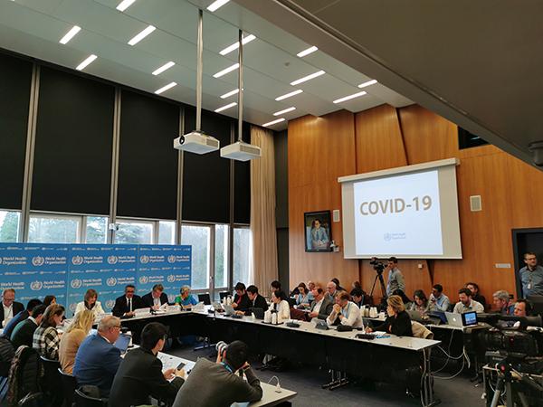 테드로스 아드하놈 게브레예수스 세계보건기구 사무총장이 11일 스위스 제네바에서 열린 기자간담회에 참석하고 있다. WHO는 이날 신종 코로나바이러스의 공식 명칭을 'COVID-19'로 정했다. (사진=저작권자(c) 연합뉴스/Xinhua/Chen Junxia, 무단 전재-재배포 금지)