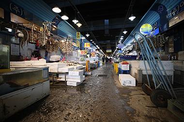 '코로나19'로 위축된 지역경제 회복…모든 수단 동원해 대응
