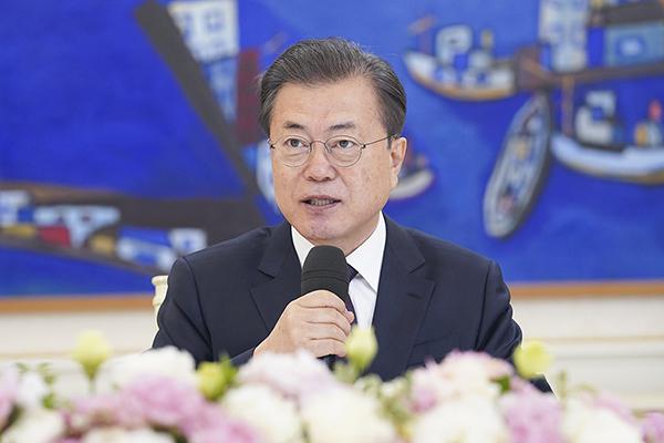 """문 대통령, 권영진 대구시장과 통화…""""지원 아끼지 않겠다"""""""
