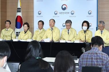 '20조+α' 풀어 민생·경제 살린다…개소세 인하·카드 소득공제 2배로