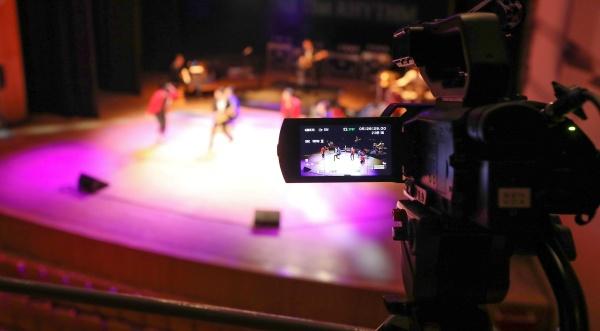 17일 오전 서울 마포구 마포아트센터 아트홀맥에서 '안방에서 즐기는 마포아트센터 두 번째 시리즈 ? 올 댓 리듬 라이브(Live)' 무관객 생중계 공연이 열리고 있다.(출처=뉴스1)