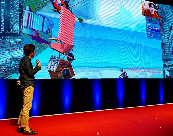 게임은 또한 콘텐츠 시장에도 큰 변화를 가져왔다. 인기 유튜버 대도서관이 게임에 대해 이야기 하고 있다.