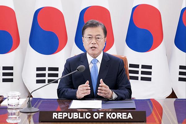문재인 대통령이 18일 청와대에서 세계보건기구(WHO) 세계보건총회(WHA) 초청 연설을 하고 있다. (사진=청와대)