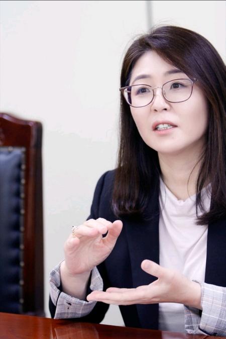 신진희 성범죄 피해 전담 국선변호사.