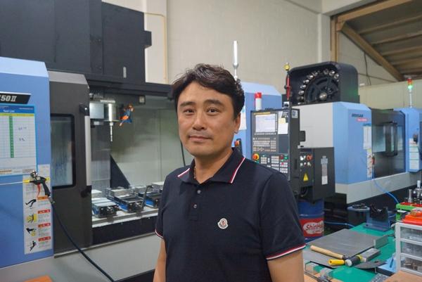 중기부의 스마트공방 프로젝트에 응모해 기술 지원을 받게 된 박성호대표다.