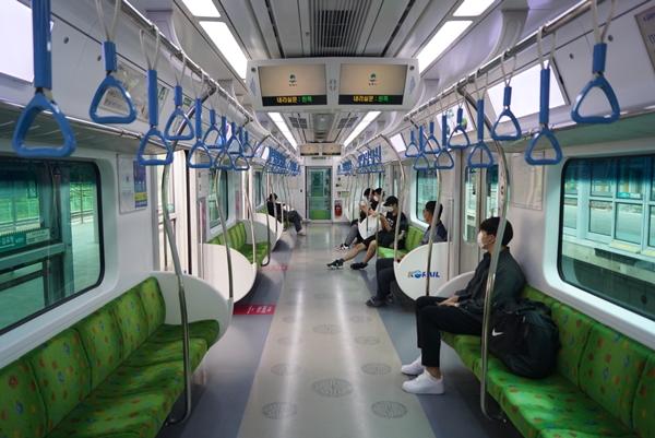 특별 여행주간에 아내와 경춘선을 타고 춘천으로 오붓하게 떠났다.
