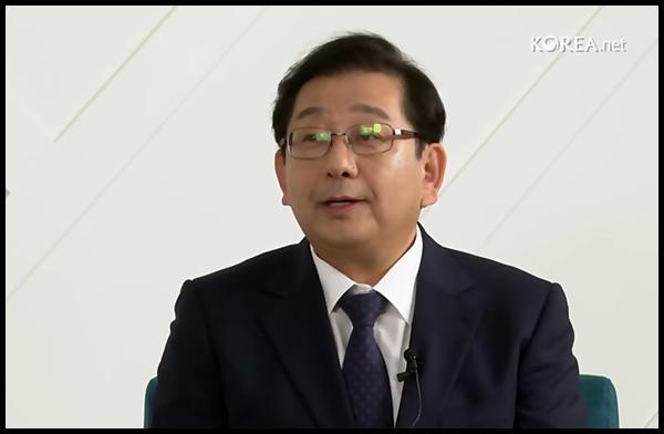 호사카 유지 교수님이 차분히 설명을 했다. <<]출처=해외문화홍보원>