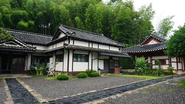 우리나라에 남아 있는 유일한 일본식 사찰인 동국사