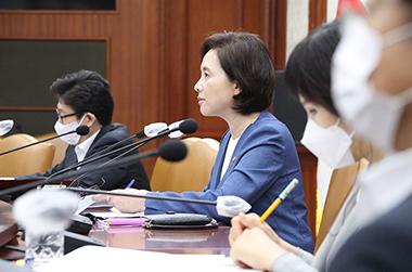 '부모체벌 허용' 오인…민법상 부모징계권 조문 개정한다